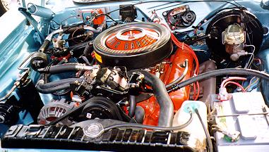 1971_Turquoise_Dodge_Challenger-Engine_Peter.jpg (31425 bytes)
