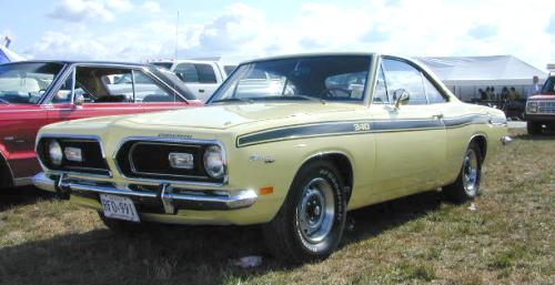 A-1969_Plymouth_Barracuda_LeftFront.jpg (25904 bytes)