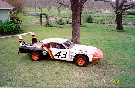 http://www.lhmopars.com/Visitors_Rides_Images/1969%20Dodge%20Daytona%20clone1.JPG