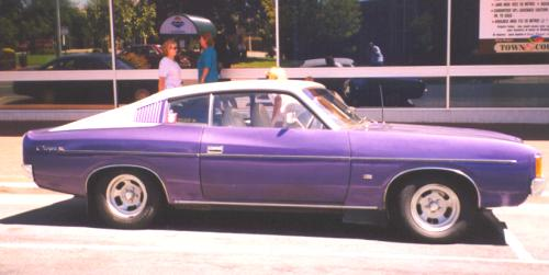 1975_Dodge_Charger.jpg (21344 bytes)