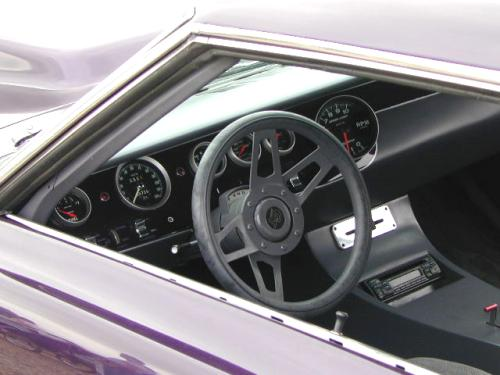 B-1968_Plymouth_RoadRunner_Modified_Interior.jpg (28734 bytes)