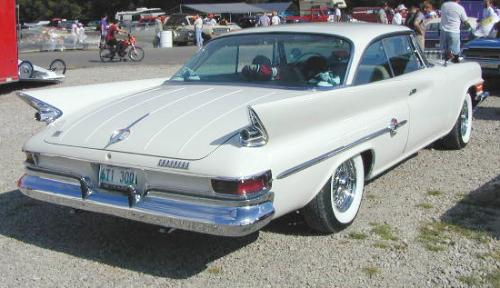 C-1961_Chrysler_300G_RightRear.jpg (30987 bytes)