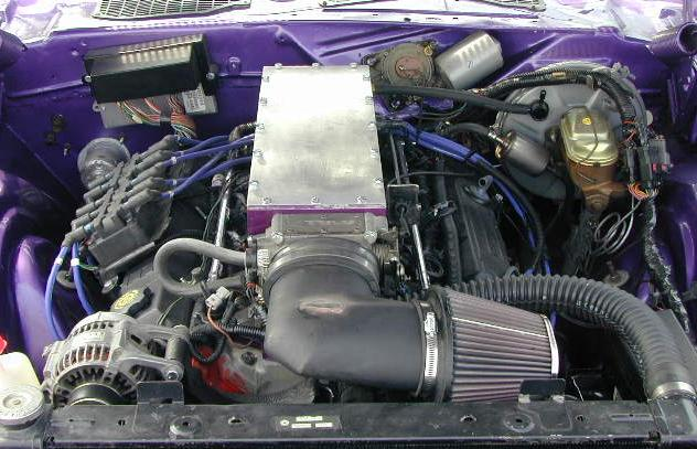 E-1971_Plymouth_Cuda_Engine.jpg (58920 bytes)
